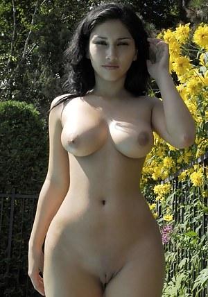 Hot Girls Naked Galleries
